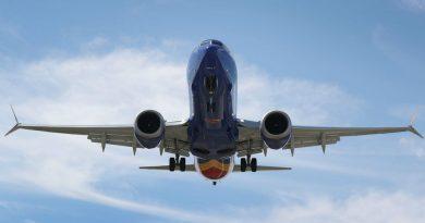 Boeing suspend les livraisons des 737 MAX mais poursuit leur production