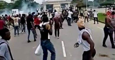Des affrontements entre des étudiants et des individus font des blessés à l'Université de Cocody