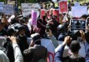 Indonésie: violents affrontements dans des manifestations contre une loi sur le travail