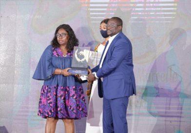 Marcelle Aka, lauréate du Super Prix Ebony 2020 du meilleur journaliste ivoirien