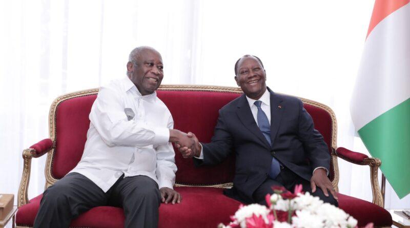 Côte d'Ivoire : accolade et sourires entre Gbagbo et Ouattara